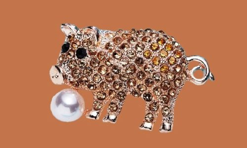 Charming pig with a pearl brooch