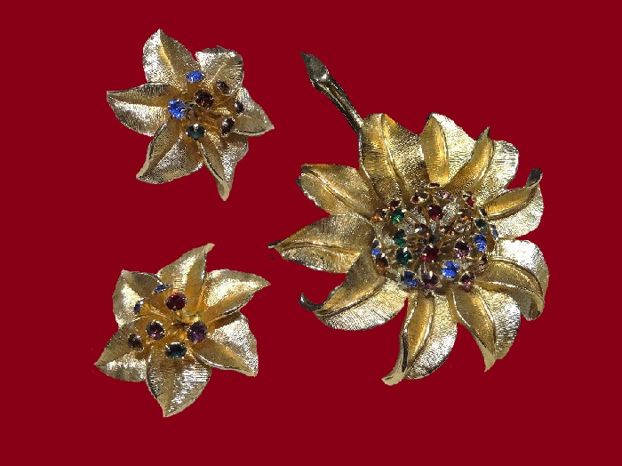 Charming sunflower tremble brooch, vintage 1950s