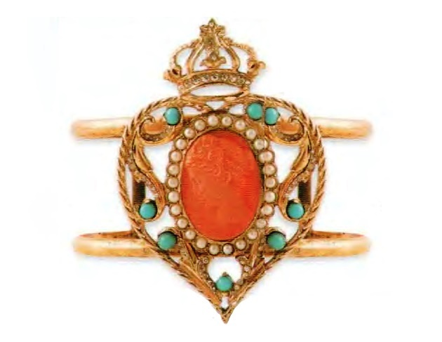 Crowned heart bracelet. Gold plated silver, turquoise and red cabochons. The end of the 1930s. Heart 7 cm. £ 285-315 MG