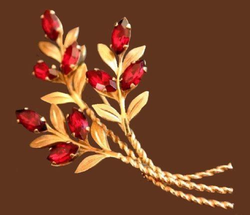 Delicate gold filled floral motif brooch