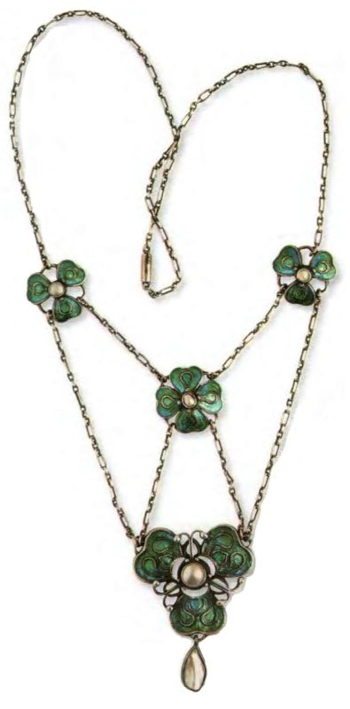 Floral motif Necklace with pendant. metal, covered with silver, enamel, artificial pearl. 1910. 42 cm. £ 1000-1200 RG