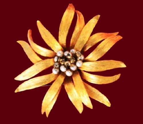 Flower brooch, vintage. Jewellery alloy, faux pearl, rhinestones
