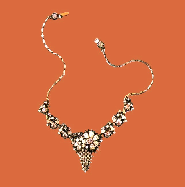 Flower necklace. Metal, gilding, pink, transparent rock crystal. 1960's. about 38 cm £ 185-215 JJ