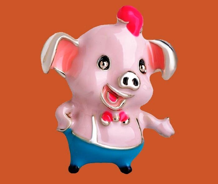Funny pig brooch