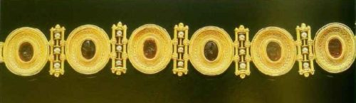 Gold bracelet with small pearls and cornelian. 1860-1865. In this product, Castellani used antique stones
