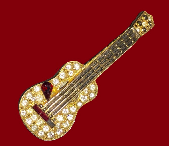 Goldtone Guitar Brooch
