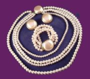 Gorgeous pearl set - necklace, bracelet and clips