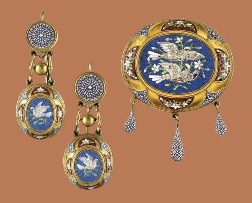 Gorgeous set of brooch and earrings with bird theme. Micromosaic, 19th century