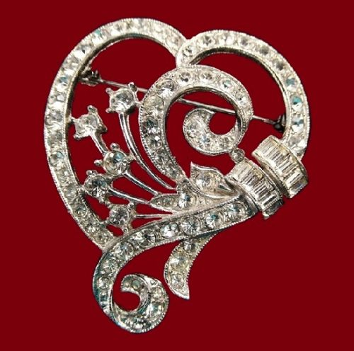 Heart Shaped silver tone brooch. 1940s