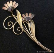 Large 12-carat gold and rhinestones flower brooch, 9 cm, 1950s