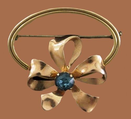 Ribbon Bow Circle Brooch. Gold filled