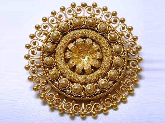 The filigree gold brooch of Master Castellani
