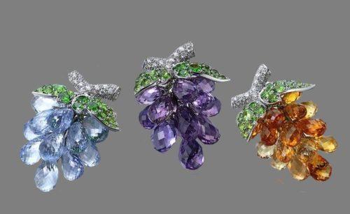 A bunch of grapes. Platinum, 18K Yellow gold, Sapphire, Demantoid garnet, Diamond