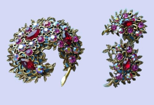 A rhinestone vintage brooch and clips. 1960. Jewelery alloy, vintage accessories, crystals, crystals, brooch 6.5 cm x 6 cm