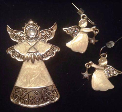 Angel Brooch and stud earrings. Gold tone metal, rhinestones