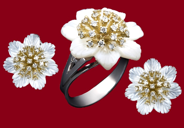 Astra set. Golden stamens crowned with diamonds, carved nacre leaves