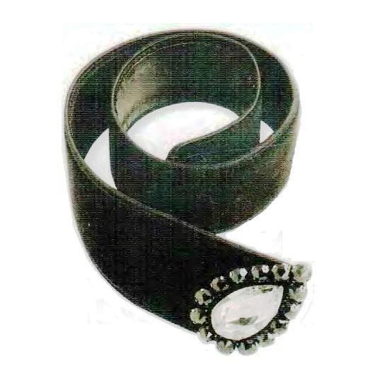 Belt. Black velvet, black glass beads, transparent rhinestone, faux diamond. 1970. 87.5 cm. £ 250-300 SUM