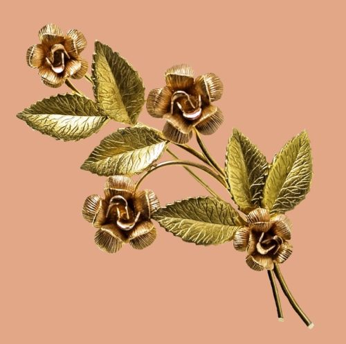 Bouquet of roses Vintage brooch, jewelry alloy, coating - 14 carat pink and yellow gold. 1960s