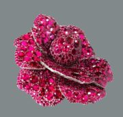 Camellia Fabulous ruby brooch, worth $ 4.2 million