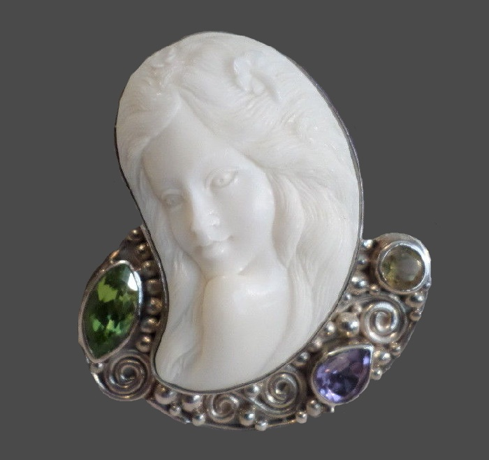 Carved Cameo Goddess Peridot Amethyst Pendant Necklace