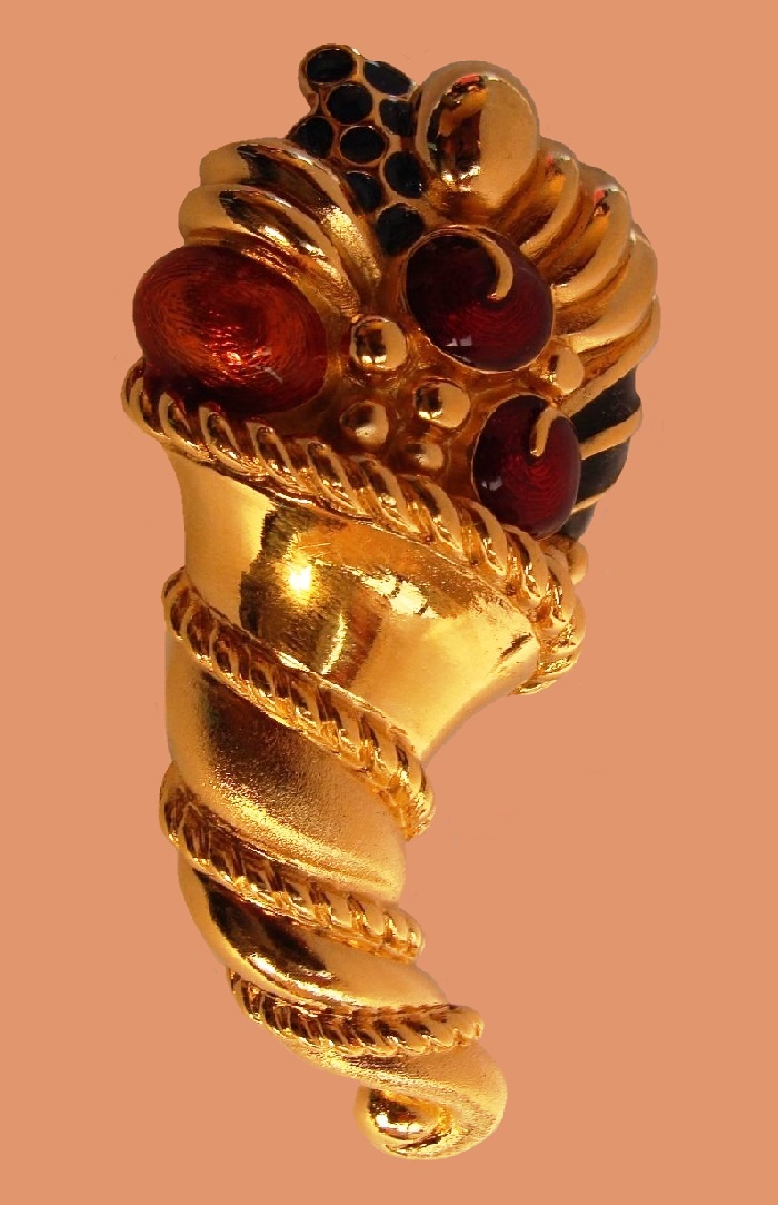 Cornucopia gold plated brooch. 7.8 cm