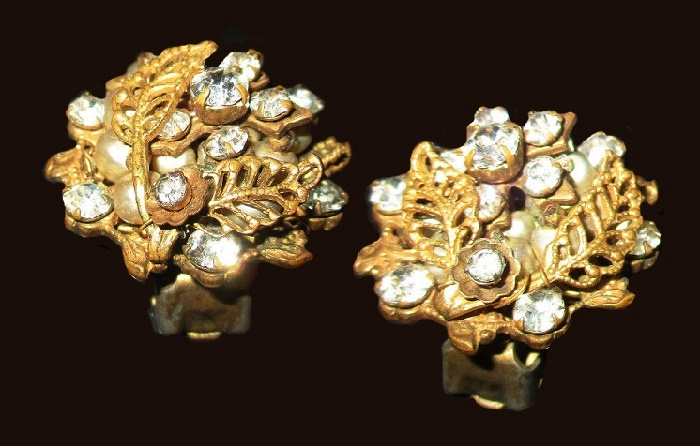 Crystal & Pearl- Gold Tone Leaf Clip on Earrings