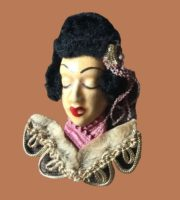 Exotic brooch from the 'Victim of fashion' series