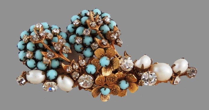 Faux turquoise, pearl and rhinestones vintage brooch