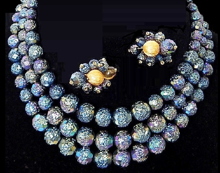 Fine Costume Bead Necklace Earrings Set Blue aurora borealis