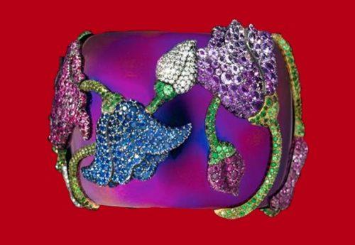 Floral motif bracelet