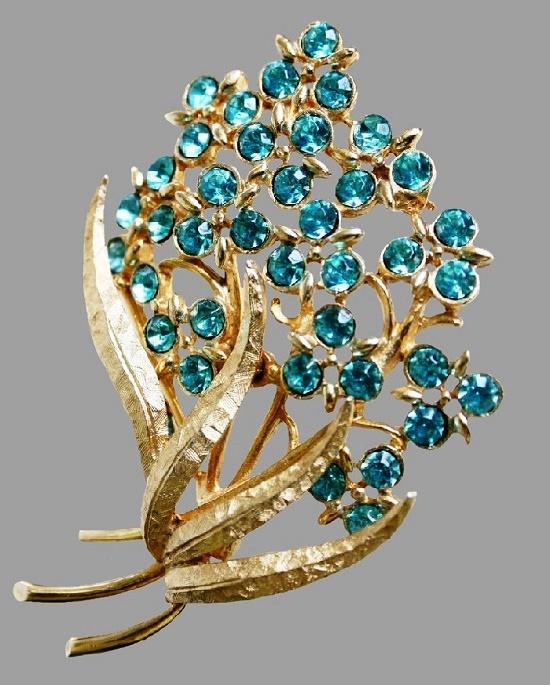 Floral motif brooch. Jewellery alloy, Swarovski crystals. 7.5 cm. American vintage - Emmons costume jewellery