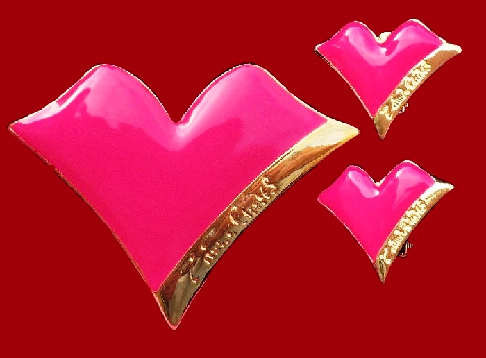 Gorgeous Fuchsia and gold tone Heart brooch and earrings