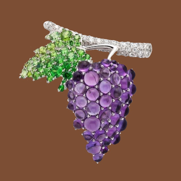 Grape brooch in platinum with amethysts, demantoid garnets and diamonds