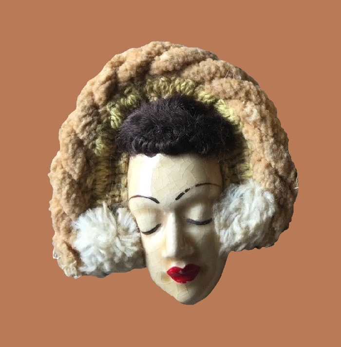 Handpainted ceramic brooch from the series Fashion victims