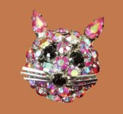 Kitten Brooch. Multi color rhinestones, jewellery alloy, vintage