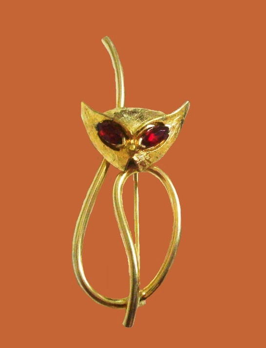 Kitten brooch. 1980s. Jewellery alloy, rhinestones
