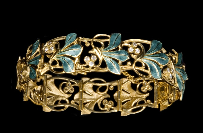 Lily bracelet. Gold, diamond, enamel