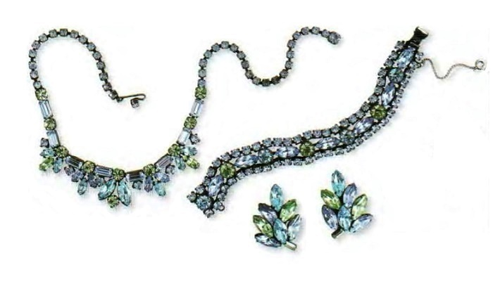 Necklace, bracelet and earrings. Gold plated, aquamarine and lemon green rock crystal. 39 cm, brooch 18.5 cm, earrings d 4 cm. £ 200-250 CRIS