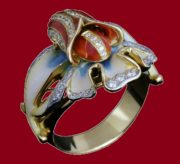 Orchid enameled ring. Gold and diamonds