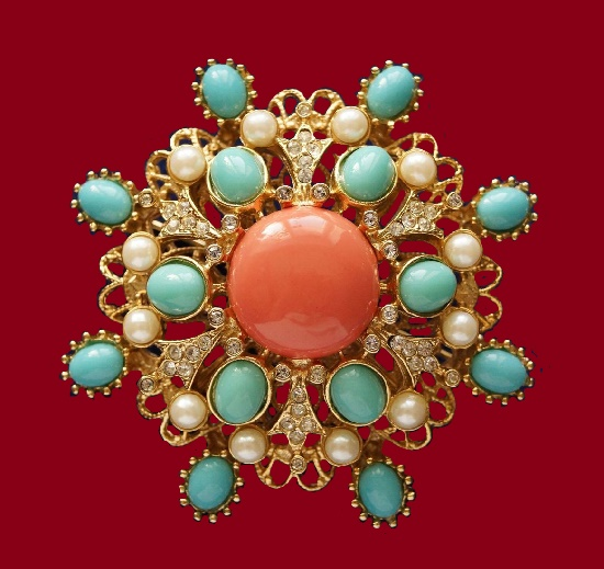 Pandora vintage brooch. Gold tone jewelry alloy, rhinestones, faux coral, pearl. 6.1 cm