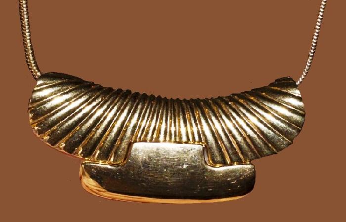 Pendant, gold tone, 1980s vintage