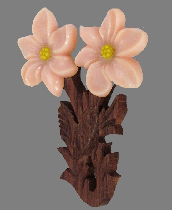 Pink Flower brooch. Wood, lucite, before 1950