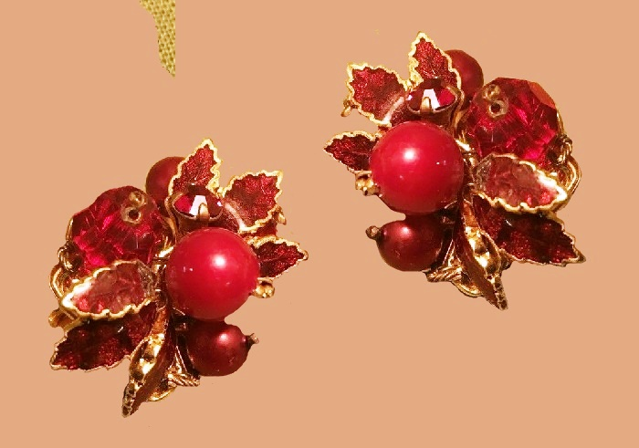 Red berry, stunning earrings. Aurora Borealis & Stones Set