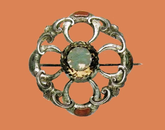 Silver brooch. Inlay with agate and artificial stone. 1860-e. 5.75 cm £ 280-320 GS
