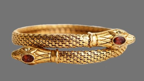 Snake bracelet. Jewelry alloy of gold tone, rhinestone. Vintage