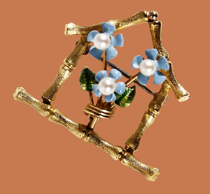 Spring mood brooch. jewelry alloy, 14 carat gold plating, decorated with cultured pearls, painted with enamel. 1960s