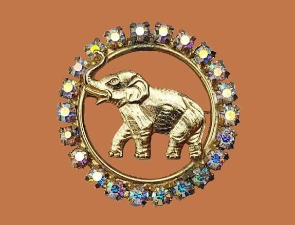 Stunning brooch - elephant in a rhinestone circle