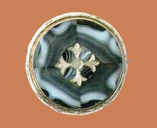 Thistle motif, silver brooch, blue agate. 1870. 5 cm £ 500-550 RBRG