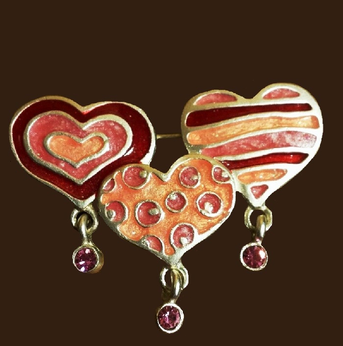 Valentine's Day theme brooch-pin