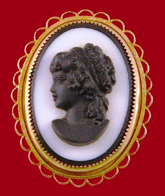 Victorian Style Cameo Brooch - pendant. Gold filled
